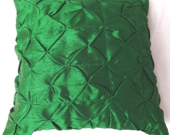Kelly Green rouch pintuck pillow cover  decaretve cushion covers  18 X 18 inch cushion  2 IN STOCK