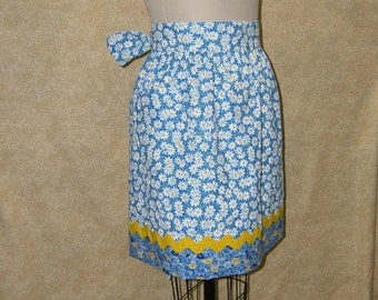 Daisy Hostess apron reversible patch pocket yellow ric rac cotton bow back extra tall x large
