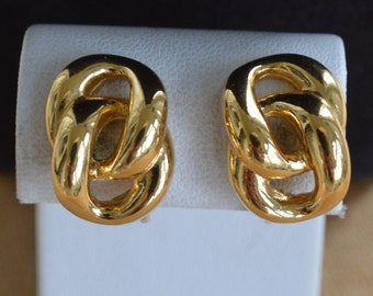 Cute Vintage Gold tone Link Clip Earrings, Napier (Z2)