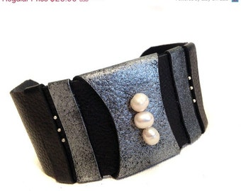 50% OFF SALE Pearls leather bracelet Cuff Wristband Women's leather bracelet Leather jewelry
