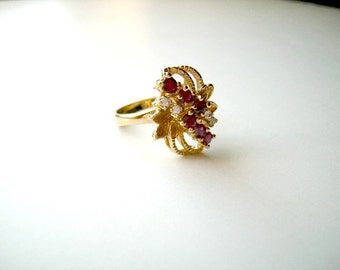 Pretty Ruby Red Vintage Rhinestone Ring 7