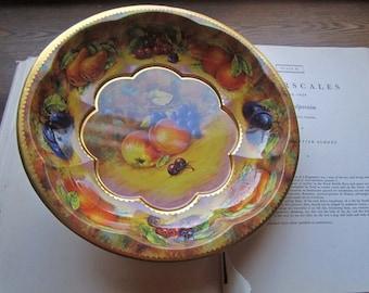 Vintage Tin Bowl * 1971 Daher Tin Serve * Seasonal Fruits * Holiday Serve * Festive Tin Bowl