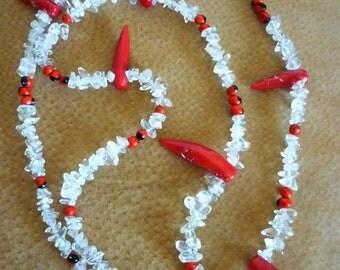 Sautoir quartz, graines et corail rouge