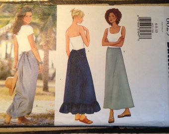 Butterick 6834 Size 6 to 10 Misses'  Skirt Pattern UNCUT