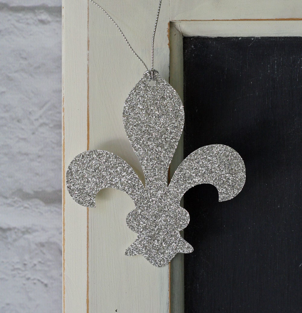 Fleur de lis glitter wedding party thank you or gift hang for Fleur glitter