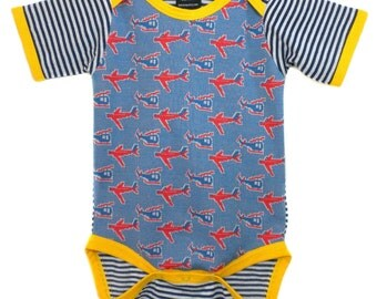 Vintage / Handmade / Bodysuit / boy clothes / airplane / baby clothes - Fly By