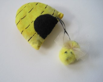 Bee Hive Cat Toy - Filled with Organic Catnip