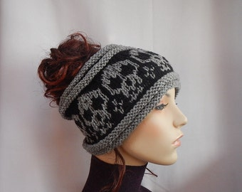 Headband/ knit headband with skulls/ skull ear warmer/ gothic headband/ skull lovers