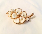 Trifari Vintage Poured Glass Magnolia Blossom FLower Pin Brooch - Alfred Philippe - White - 1950s - Gold - Signed
