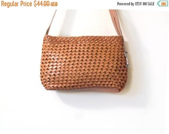 BTS SALE Vintage 90s Sweet Honey Brown Woven Leather Fossil Shoulder Purse