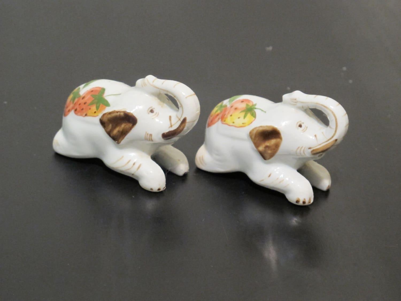 Vintage Miniature Elephant Salt And Pepper Shakers Cute