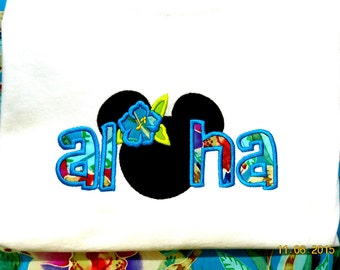 Adult size) Minnie or Mickey Mouse Aloha  t-shirt
