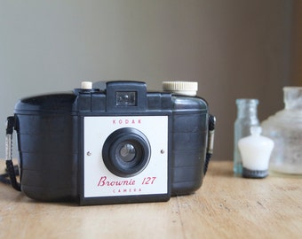 Vintage Camera, Working Brownie 127 Camera, UK Model, Collectable Camera, Gift For Photographer, Camera Lover, Under 50