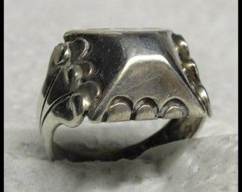 Vintage Art Deco Sterling Ring Pyramid Design FREE SHIPPING