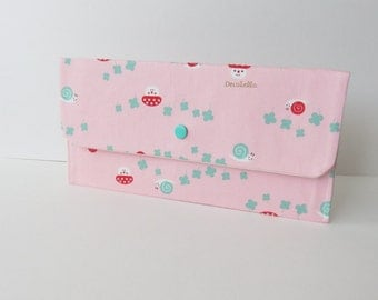 Large snap wallet