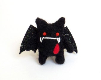 Cute goth brooch : needle felted evil bat pin kitsch accessories miniature felt Halloween