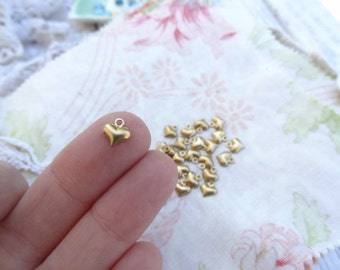 75 Tiny Puffy Queen of Hearts Brass Charm. 3D Charm. Vintage Tiny Embellishment. E21