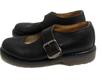 Vintage Dr Martens Mary Jane Shoes Genuine NaNa Dr Martens Air Cushioned Sole Black Leather Baby Doll Shoes Made In England Wms US Size 5