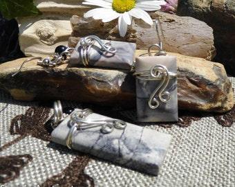 Porcelain Exotica Jasper Pendant & Earrings Set