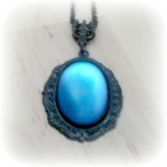 Blue Moonstone Pendant Necklace Vintage Glass Moonglow ...