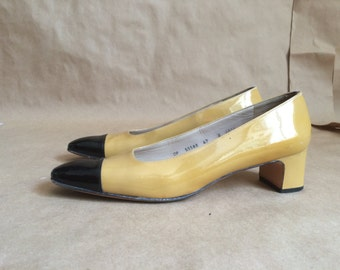 daywear vintage 1990's Ferragamos/ two tone spectator shoe / square heel / Made in Italy