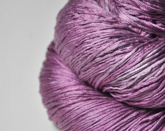 Withering bunch of roses OOAK - Silk Fingering Yarn