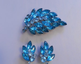 Her Royal Jewels Sparkle - Vintage 1950s Turquoise Blue Demi Parure Brooch & Clip Earrings