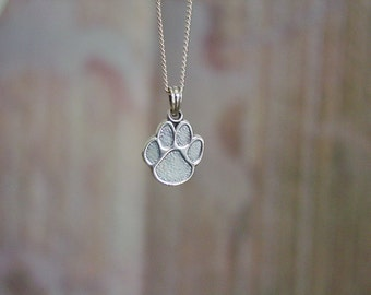 "Dog's Paw Pendant with 18"" Chain Sterling Silver"