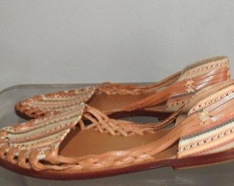 vintage size 7 huarache sandals southwest print leather sole