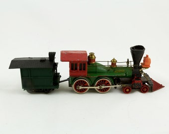 Bachmann The General Train Engine and 1 car Engine is cast iron, Car is cast iron with a plastic roof