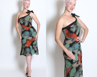GORGEOUS Designer 1970's Feather Print Silk Crepe Novelty Tie Print One Shouldered Hourglass Cocktail Dress by Designed by Aristos - Size M