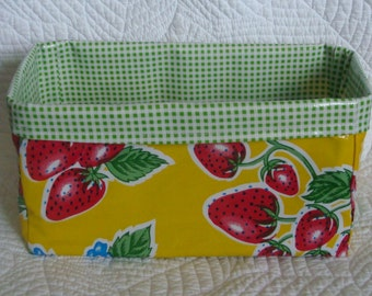 Red Strawberry with Green Gingham Oilcloth Caddy