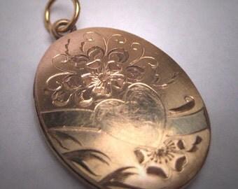 Antique Gold Locket Pendant Victorian Art Deco Floral Heart Vintage