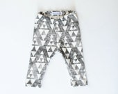 Organic baby leggings toddler leggings hipster charcoal arrows triangle leggings
