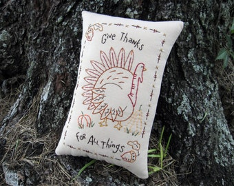 THANKSGIVING Turkey Pillow, Primitive Hand Embroidered Stitchery, PRIM Thanksgiving Home Decor, Harvest Colors, Fall, acorn, pumpkin, HAFAIR