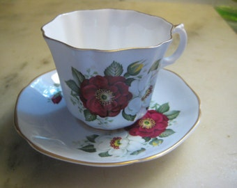 Vintage Tea Cup Set, 1960s White Fine Bone China, Deep Red and White Magnolia Flowers, Fluted with Gold Leaf Trim, Consort, England, 1 set