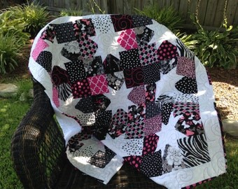 REDUCED Small Lap Quilt, Baby Quilt, Wall hanging, Bedding, Nursery, Child's Quilt, Crip Quilt