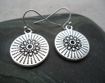 Silver Flower Earrings - Moroccan -Boho chic - Starburst Earrings - Simple Everyday