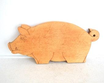 Vintage Pig Cutting Board - Wood Bread Board - Primitive Pig - Boar