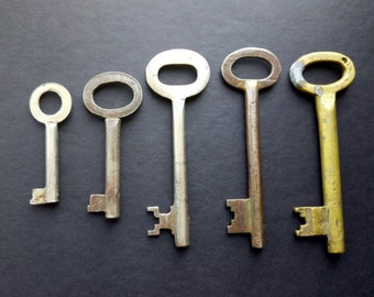 Antique Large Skeleton Keys Key Lot of 5 Brass Iron Art Deco Rustic Supplies