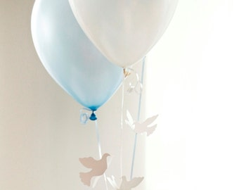 Communion Decorations - Flying Doves Balloon Bouquet - Choice of Colors
