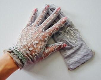 Gray Amelie Vintage Lace Gloves