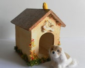 Dollhouse dog kennel with bird, 1/12 scale
