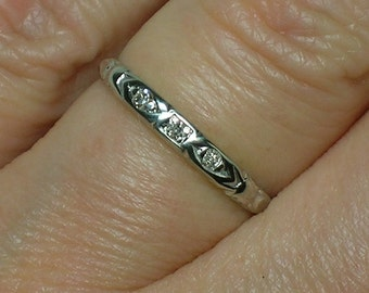 Vintage Diamond Wedding Band: White Gold. Petite & Slender