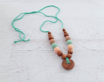 Button Nursing Necklace / Teething Necklace - peach, mint & beige, apple wood