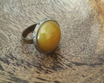 Stone and bronze delight ring