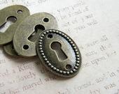 Retro 4 KEYHOLE Jewelry Connectors Steampunk Sherlock Holmes Mystery Alice in Wonderland D.I.Y. Jewelry Making Lock Plate