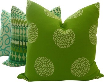 Green Outdoor Pillow - Green Sunbrella Pillow - Sunbrella Pillow - Outdoor Sofa Cushion - Green Pillow - Sunbrella Fabric - Outdoor Pillow