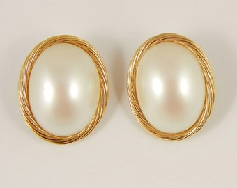 Vintage Richelieu Earrings Faux Mabe Pearl Clip Bridal Prom