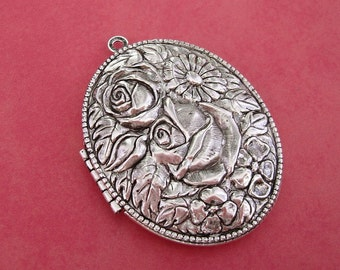 Large Oval Photo Locket Ox Silver Brass Rose Flowers Engraved Floral Victorian Style Pendant.